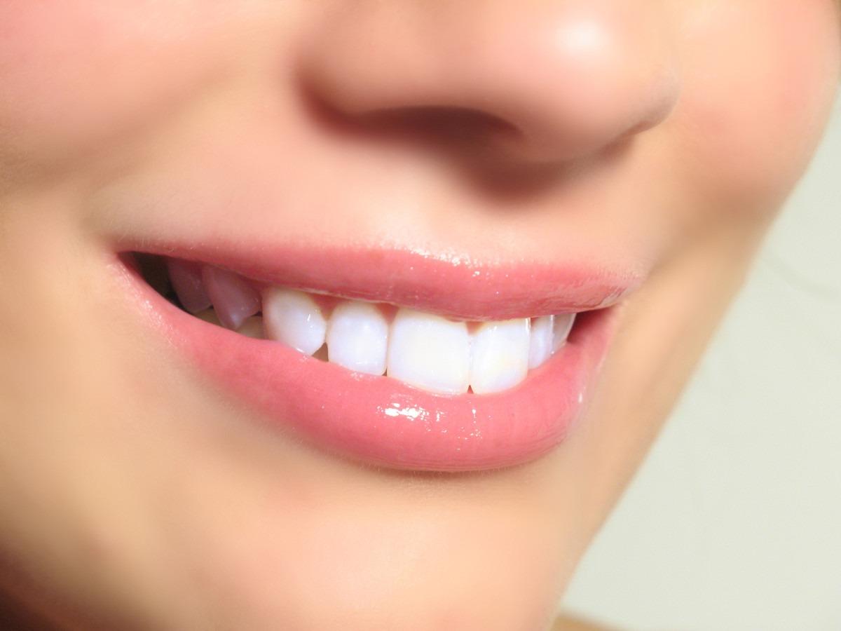 como-evitar-el-sarro-de-tus-dientes